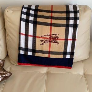 BURBERRY style shawl.